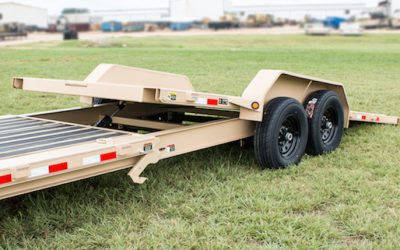Fenders Tilt With the Deck on This Versatile Trailer