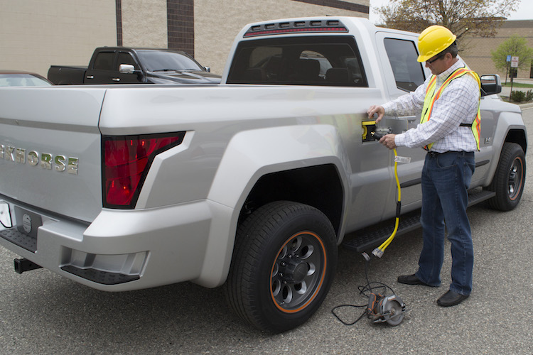The W-15 has a built-in 7.2 kW electrical outlet that is powered by the truck's batteries and into which fleet drivers can plug their tools. This integrated functionality not only eliminates the need for extension cords, which reduces clutter, but it also enables drivers to use power tools in remote locations where electricity isn't readily available.